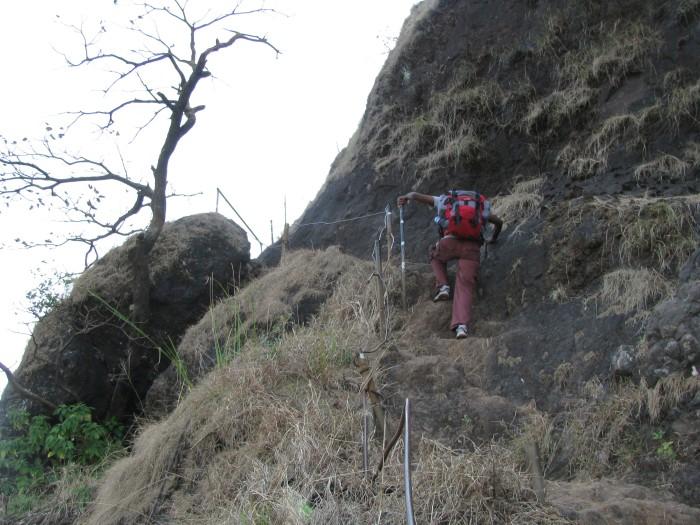 Trekking To Torna Fort