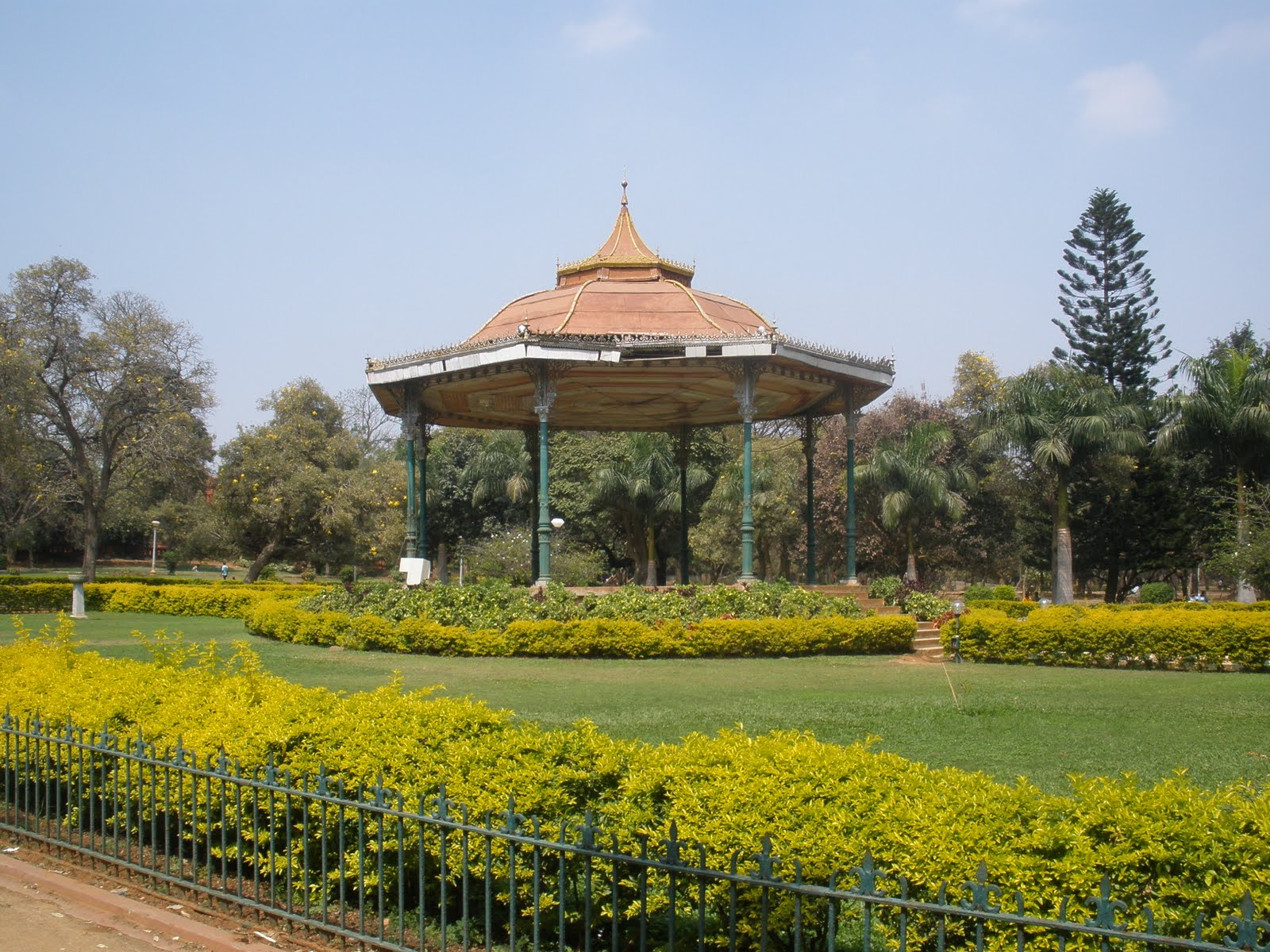 Cubbon Park Bangalore A Perfect Destination To Chill Out on activities for peace