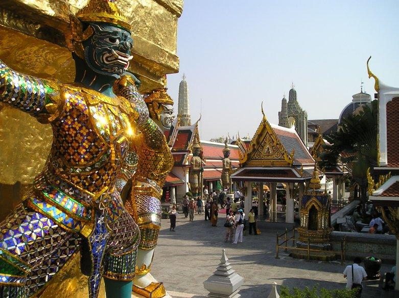 Awesome Design wall in Grand Palace Bangkok
